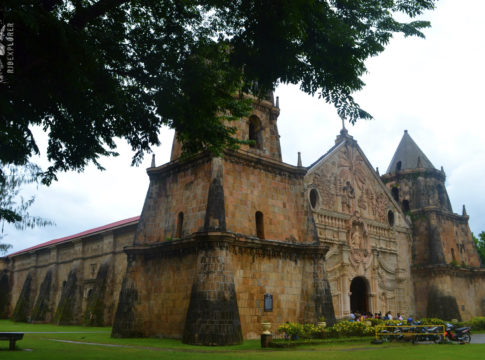 church hopping in iloilo