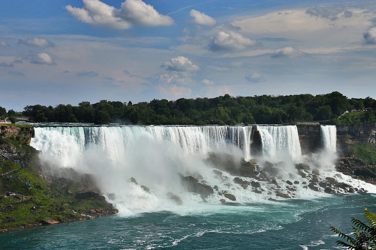 canada natural wonders niagara falls