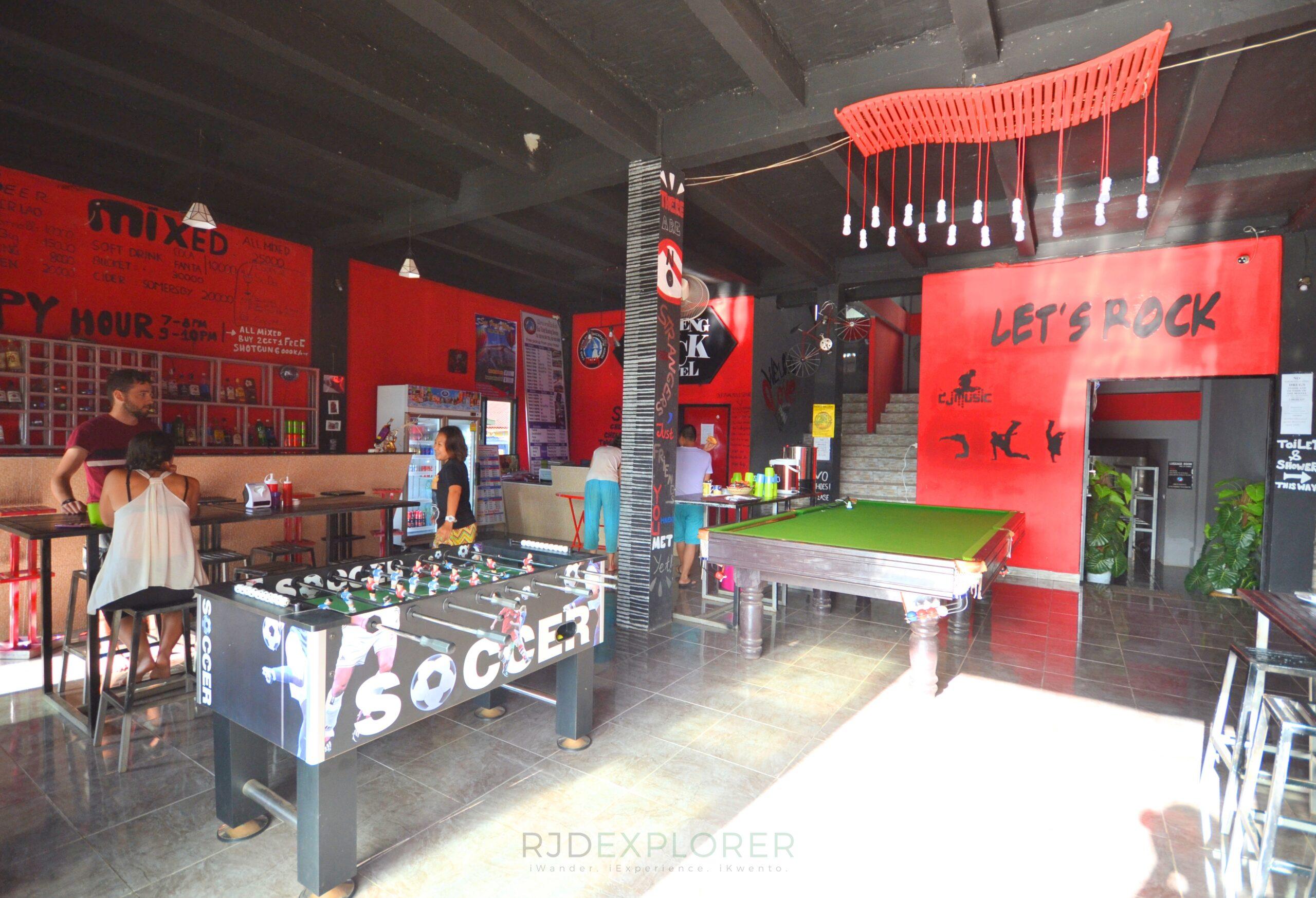 laos itinerary diy vang vieng rock backpackers hostel