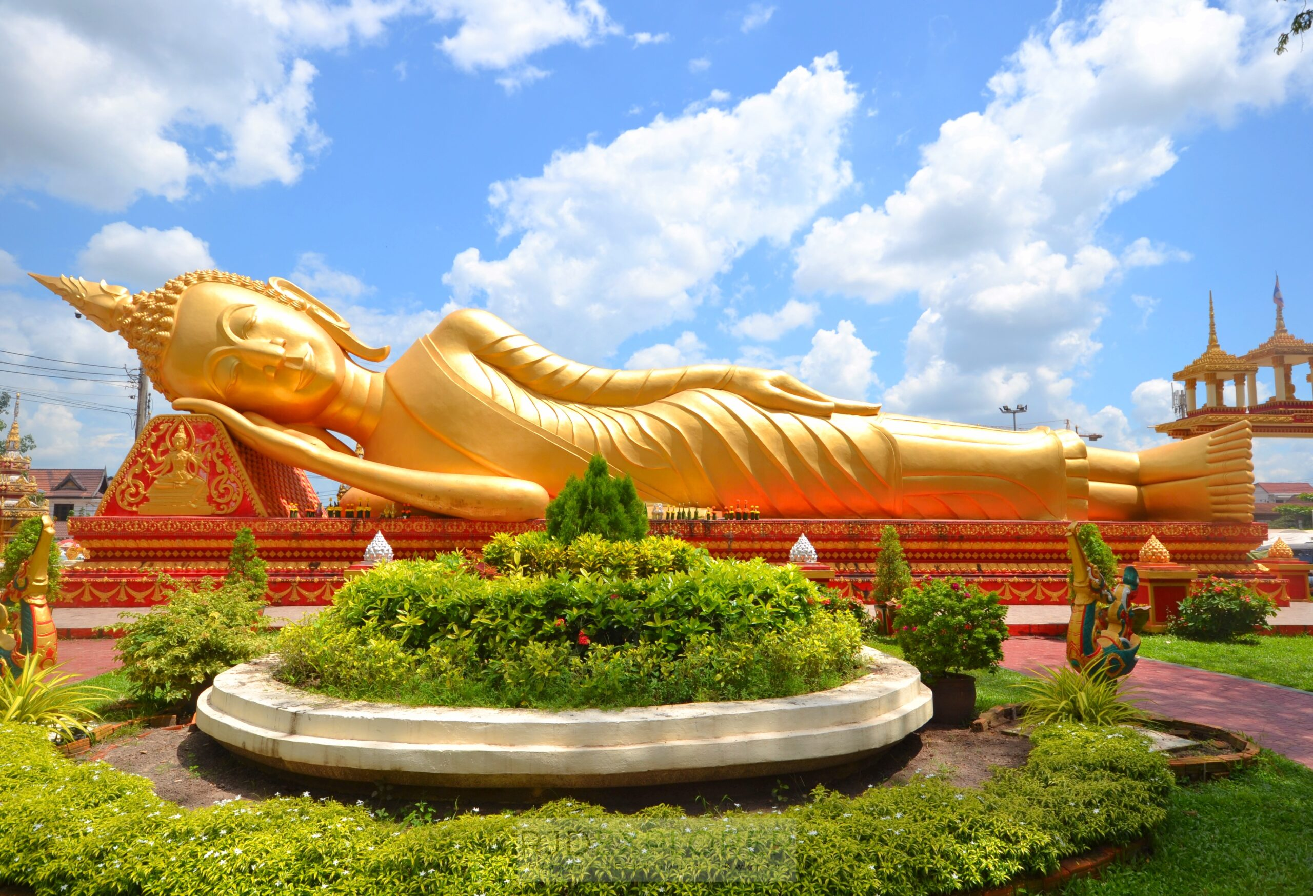 laos itinerary diy vientiane reclining buddha